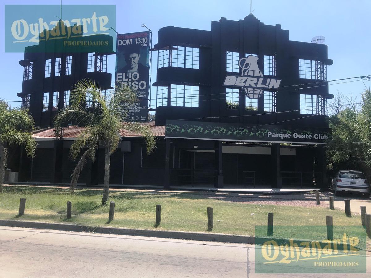 Foto Local en Alquiler en  Ituzaingó,  Ituzaingó  Acceso Oeste al 7500