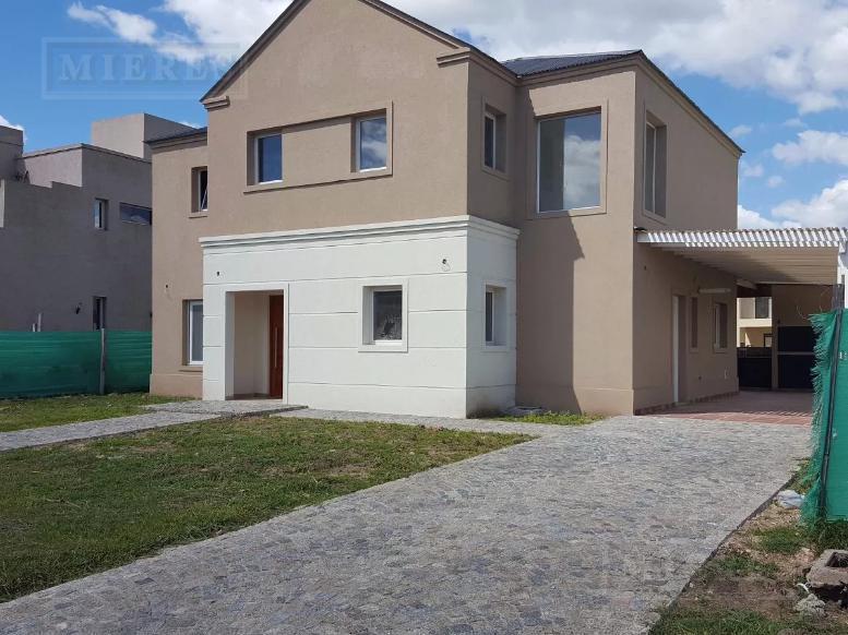 Casa en venta en  Haras Santa Maria  Barrio  El Atarceder