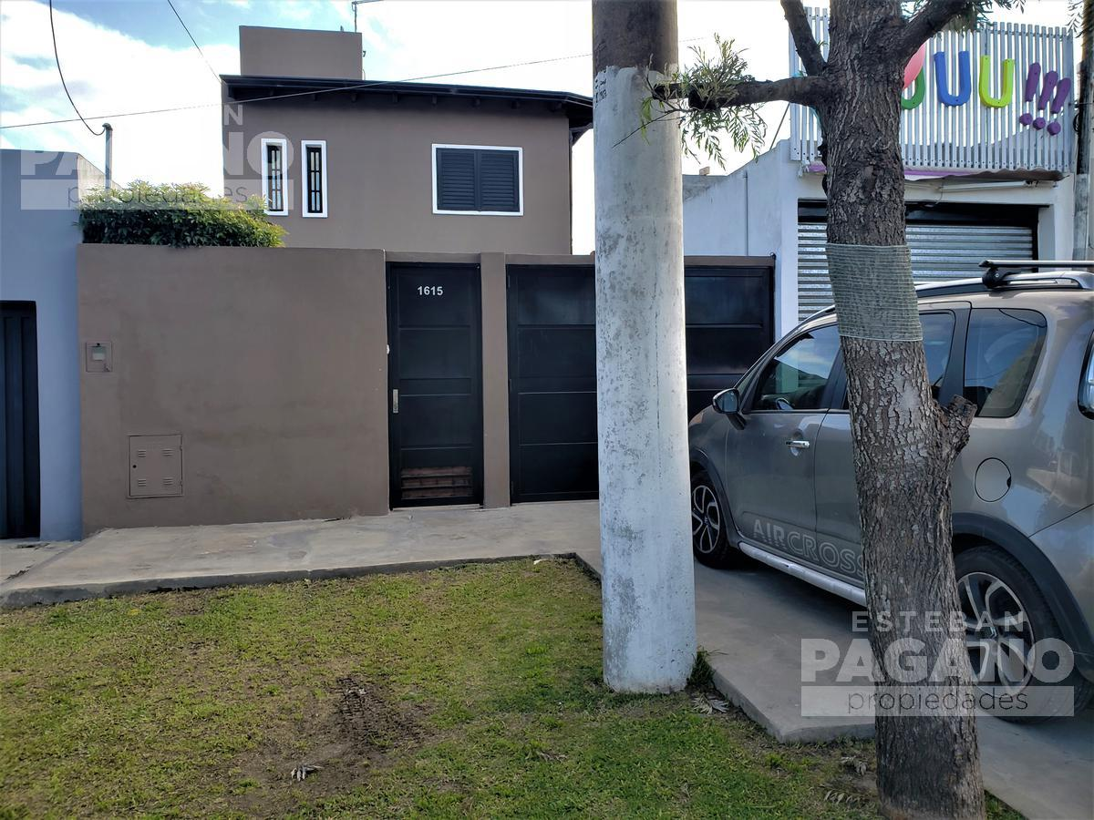 Foto Casa en Venta en  Los Hornos,  La Plata  155 e/ 65 y 66