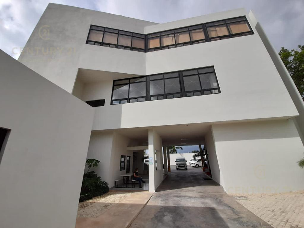 Cancún Commercial Building for Rent scene image 0