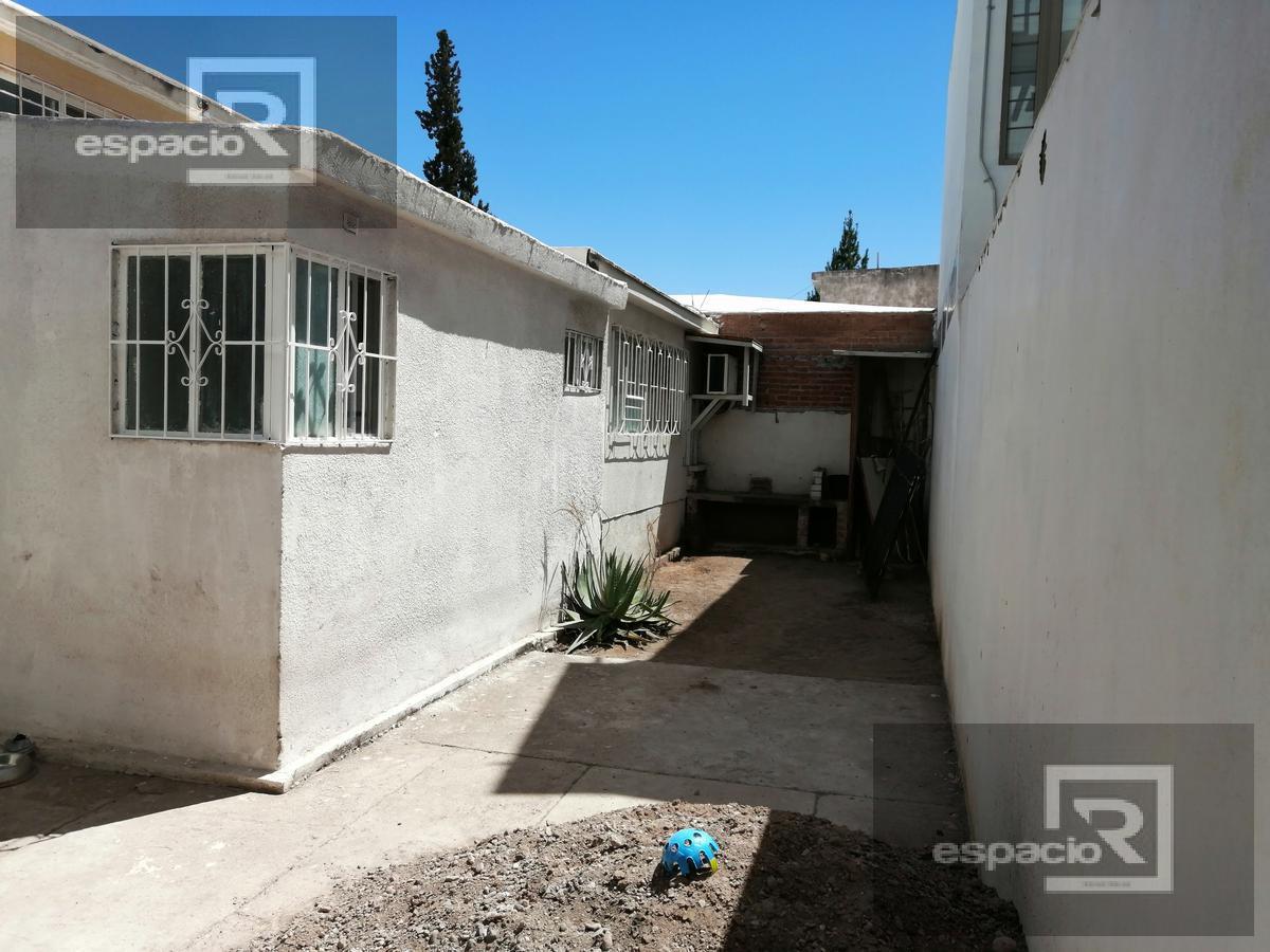 Foto Casa en Venta en  San Felipe,  Chihuahua  CASA EN VENTA EN SAN FELIPE EN ESQUINA IDEAL PARA OFICINA O NEGOCIO