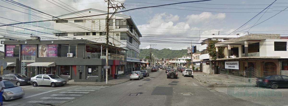Foto Edificio Comercial en Venta en  Guayaquil ,  Guayas  VENTA DE CONDOMINIO RENTERO EN URDESA