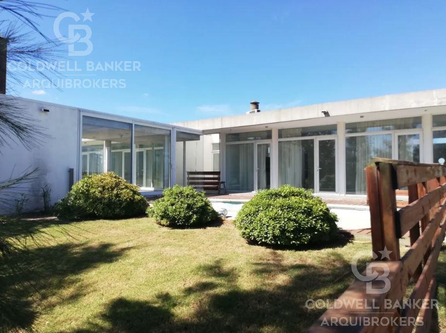 Foto Casa en Alquiler en  Barrio Privado,  Canelones  Casa de 4 dormitorios en alquiler en Colinas de Carrasco