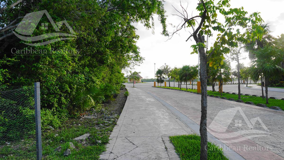 Picture Land in Sale in  Lagos del Sol,  Cancún  Lagos del Sol