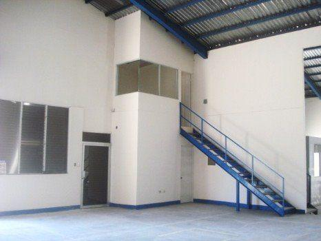 Foto Bodega Industrial en Renta en  Heredia,  Heredia  Bodega en Alquiler en Lagunilla de Heredia.