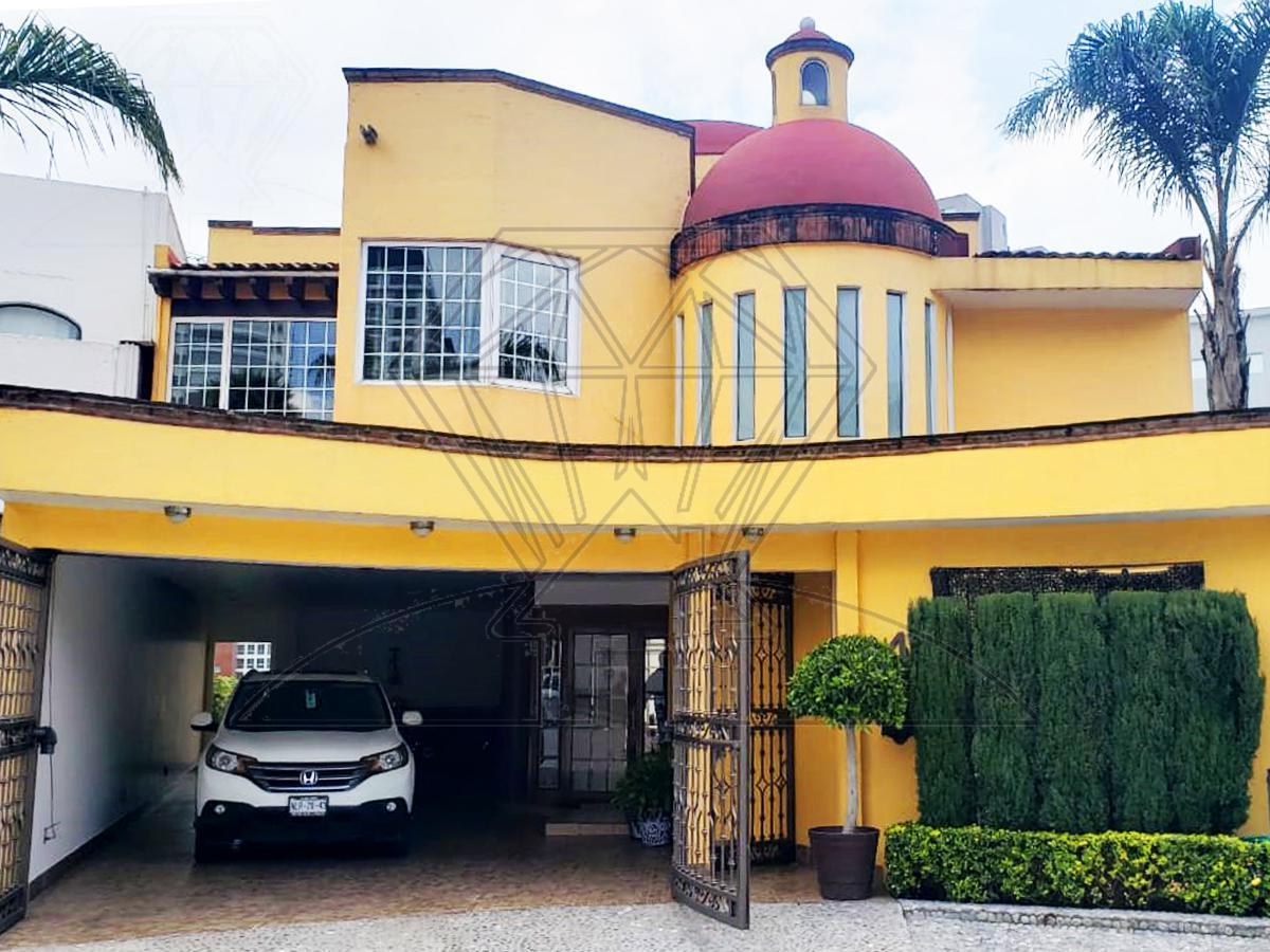 Foto Casa en Renta en  Hacienda de las Palmas,  Huixquilucan  Casa de lujo en CERRADA a la renta en Hda. de la Ermita, Hda. de las Palmas (VW)