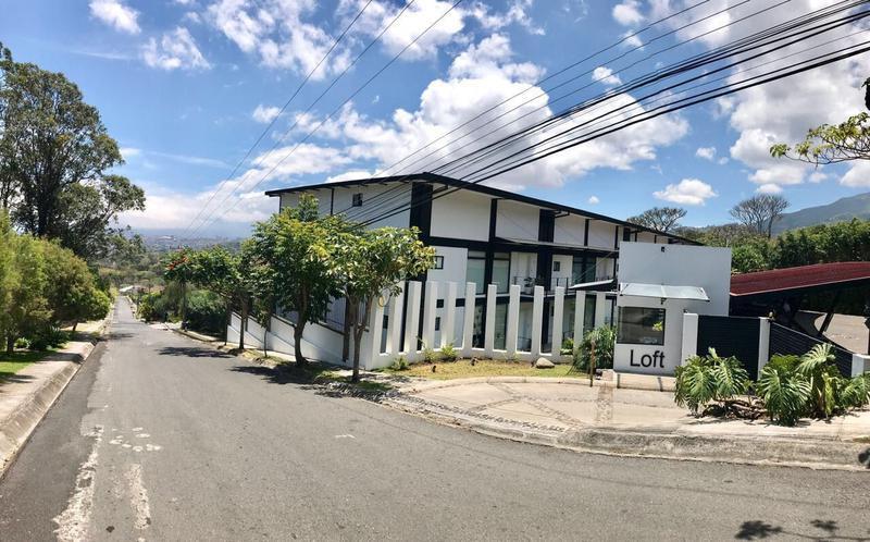 Foto Departamento en Venta | Renta |  en  San Rafael,  Escazu  Se vende - se alquila apartamento en Escazu