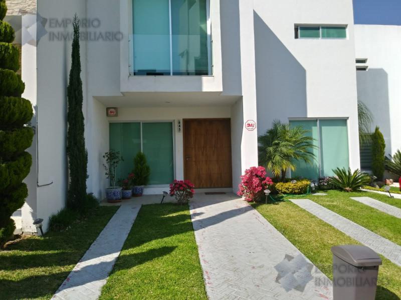 Foto Casa en Venta en  La Rioja,  Tlajomulco de Zúñiga  Casa Venta Fracc. La Rioja $3,650,000 A257 E1