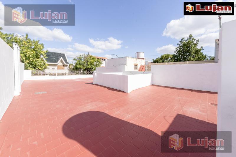Foto Casa en Venta en  Mataderos ,  Capital Federal  Bragado 5200 Casa con fondo.