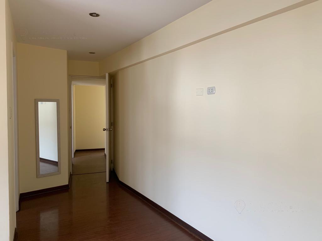 Foto Departamento en Venta en  LAS GARDENIAS,  Santiago de Surco  LAS GARDENIAS