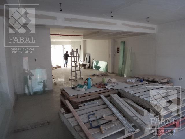 Foto Local en Venta | Alquiler en  Área Centro Oeste,  Capital  Santamaría y Roca - María Auxiliadora