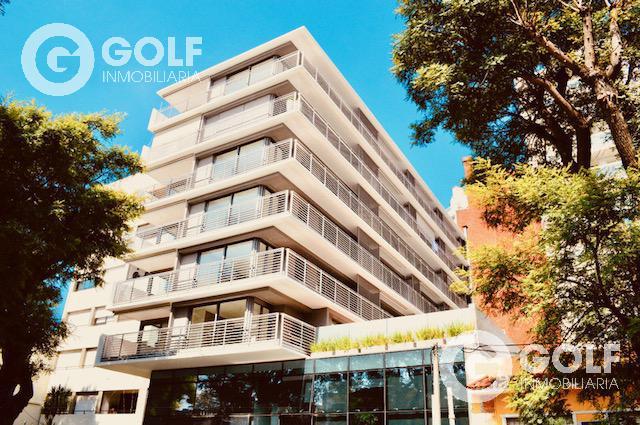 Foto Oficina en Alquiler en  Golf ,  Montevideo  A pasos del Golf