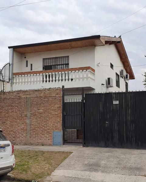 Foto Casa en Venta en  Monte Chingolo,  Lanus  Maure 3935