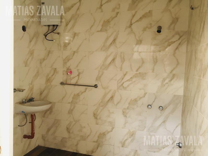 Foto Galpón en Alquiler en  Pompeya ,  Capital Federal  Mom al 2900