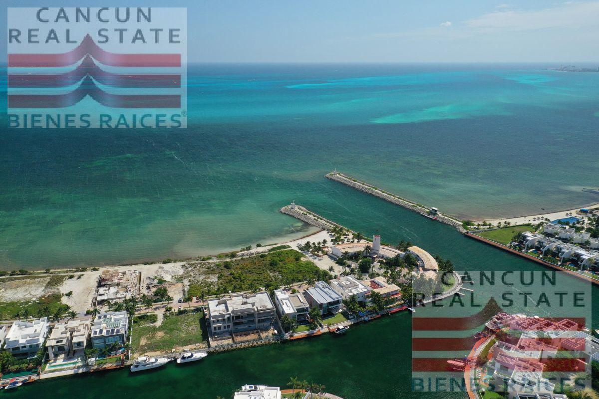 Foto Terreno en Venta en  Puerto Cancún,  Cancún  Terreno venta Puerto Cancun