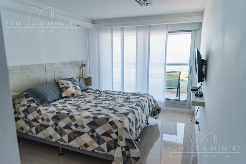 Foto Apartamento en Alquiler temporario en  Playa Brava,  Punta del Este  Guanabara esquina Avenida Del Mar, Parada 10