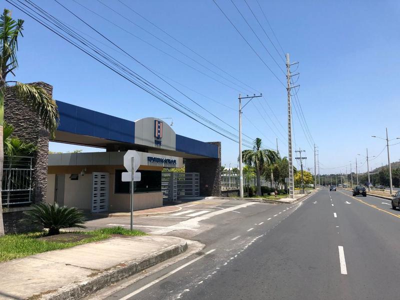 Foto Terreno en Venta en  Vía a la Costa,  Guayaquil  VENTA DE TERRENO SOBRE LA VÍA A LA COSTA