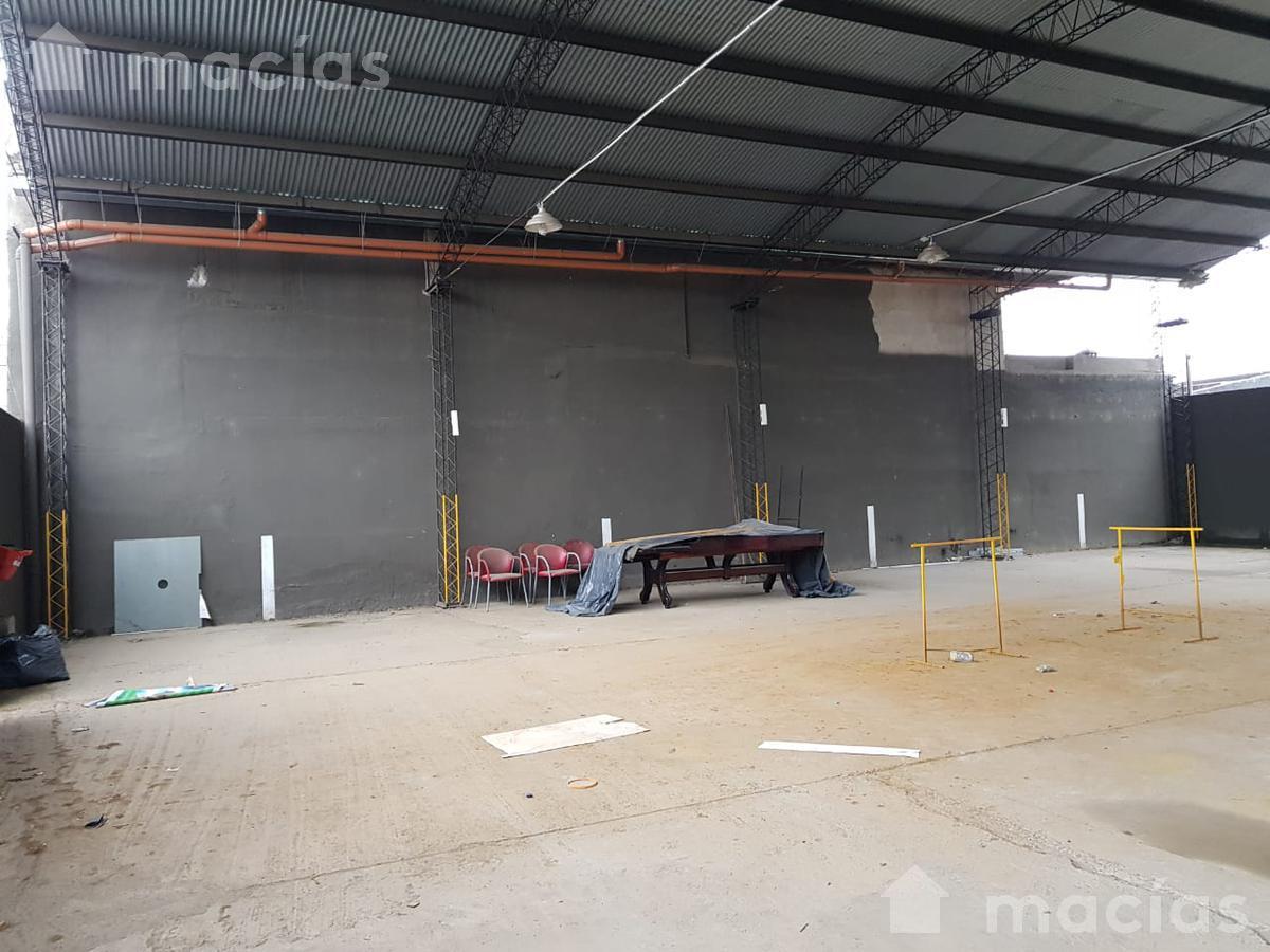 Foto Cochera en Venta en  Avenida,  San Miguel De Tucumán  Av. Ejército del Norte al 300