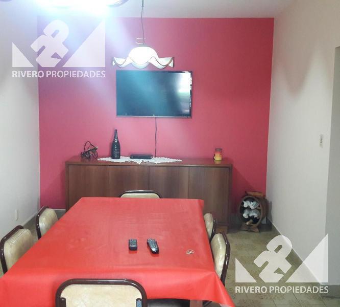 Foto Casa en Venta en  Castelar Norte,  Castelar  Dean Funes  900