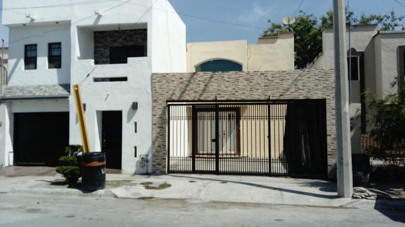 Foto Casa en Venta en  Insurgentes,  Apodaca  Casa en Venta  Col. Insurgentes cerca Av. Palmas.