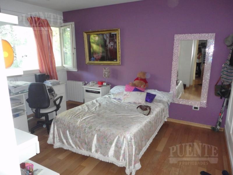 Foto Casa en Venta en  Saint Thomas,  Countries/B.Cerrado (E. Echeverría)  St. Thomas I Excelente casa sobre lote doble!