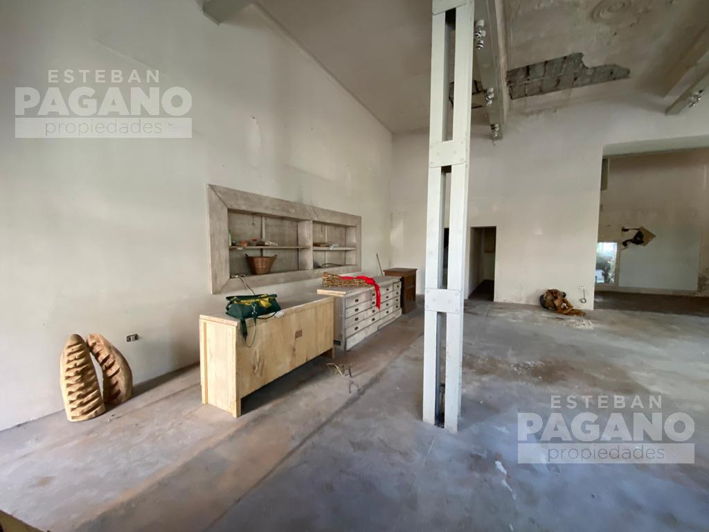 Foto Local en Venta en  La Plata,  La Plata  10 esq 49