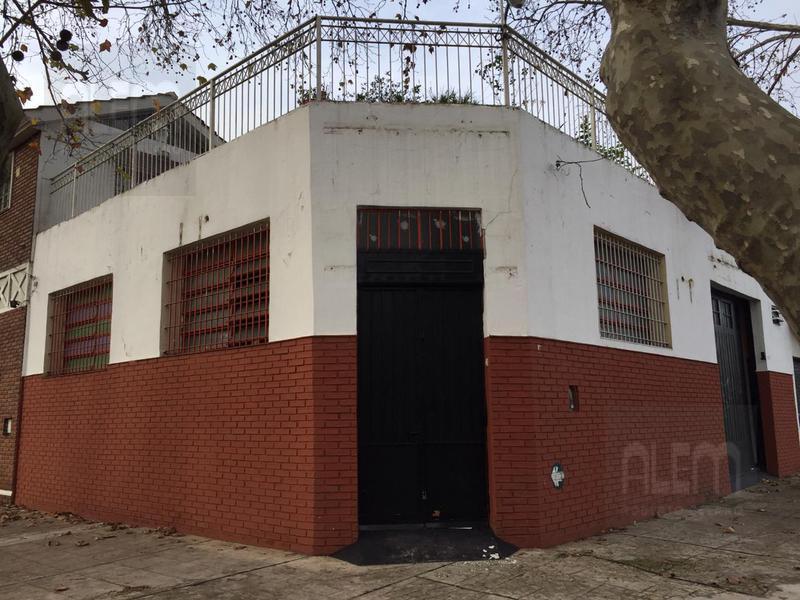 Foto Depósito en Alquiler en  Lomas de Zamora Oeste,  Lomas De Zamora  Sáenz 1099