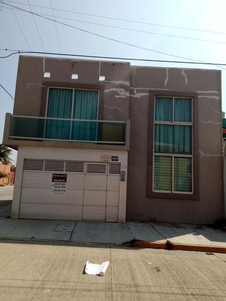 Foto Casa en Renta en  Puerto México,  Coatzacoalcos  CALLE 18 DE MARZO, #2301, ESQUINA MUJICA COL. PUERTO MÉXICO, COATZACOALCOS, VER