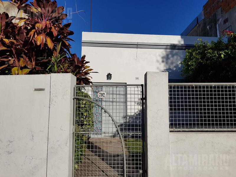 Foto Casa en Venta en  Villa Ballester,  General San Martin  Neuquén al 3600