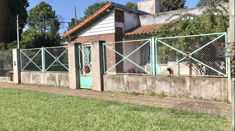 Foto Casa en Venta en  Longchamps,  Almirante Brown  ALFONSO XII 681 ESQUINA BELGRANO