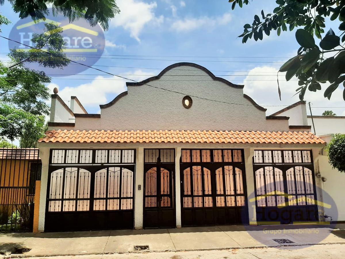Casa en Venta muy grande estilo Colonial Moderna en León Moderno, León Gto.
