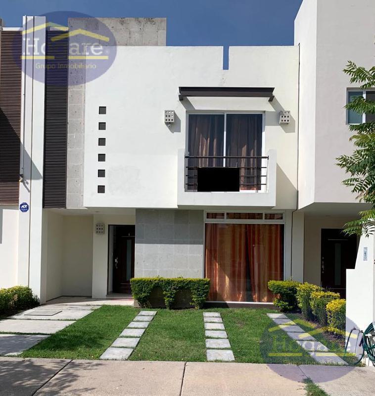 Casa Renta frente área verde Privada Fraccionamiento Alamedas de España León Gto