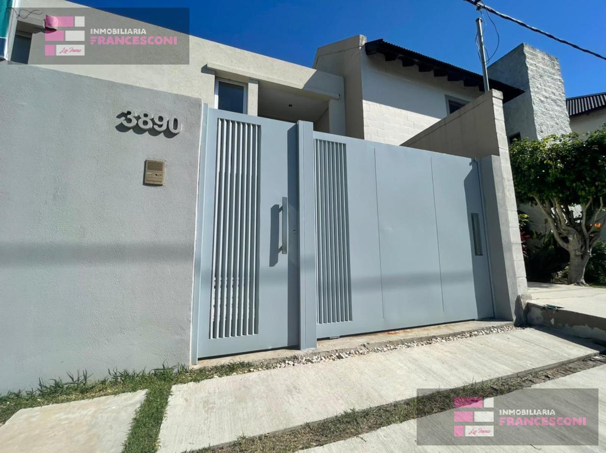 Foto Casa en Venta en  Manuel B Gonnet,  La Plata  15  493 y 493 bis