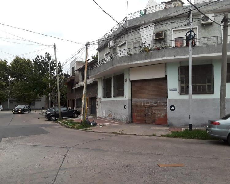 Foto Galpón en Alquiler en  Avellaneda,  Avellaneda  Pilcomayo 2118