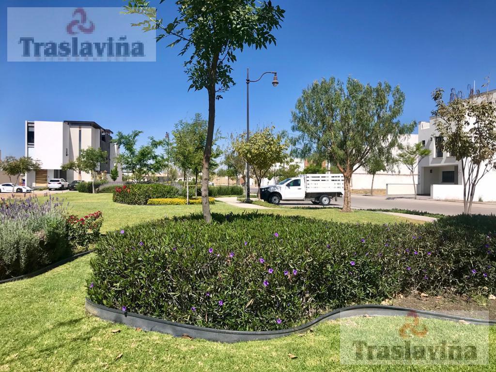 Foto Casa en Venta en  El Mayorazgo,  León  Casa NUEVA FRENTE AREA VERDE!!  en Venta en El Mayorazgo