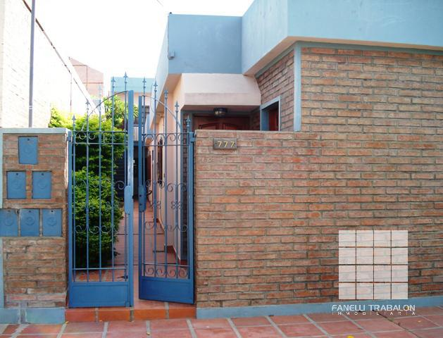 Foto Departamento en Alquiler en  Centro,  Presidencia Roque Saenz Peña  Saavedra al 700