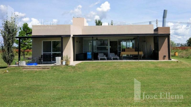 Foto Casa en Venta en  Solares del Carcaraña,  Oliveros  Solares de Carcaraña  (Ruta 11 Km al 300