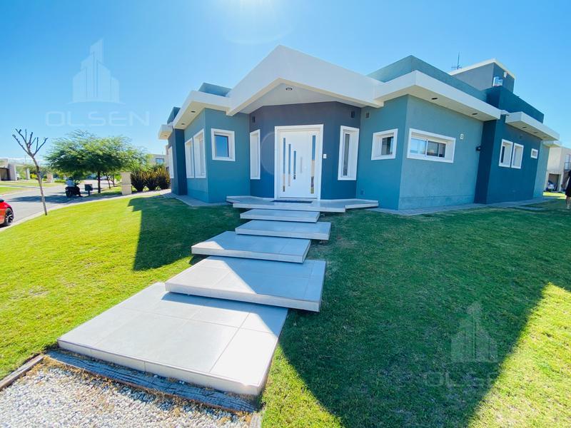 Foto Casa en Venta en  Siete Soles,  Cordoba Capital  Siete Soles - Verandas - 4 dor - 3 Bños - Lote de 600m2 -UNA de las Mejores Ubicaciones!!