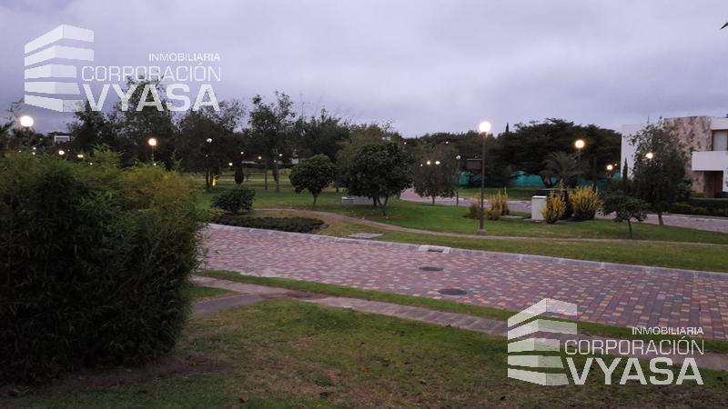 Foto Terreno en Venta en  Puembo,  Quito  PUEMBO - VILLA FONTANA, ESPECTACULAR TERRENO EN VENTA DE 630,00 M2