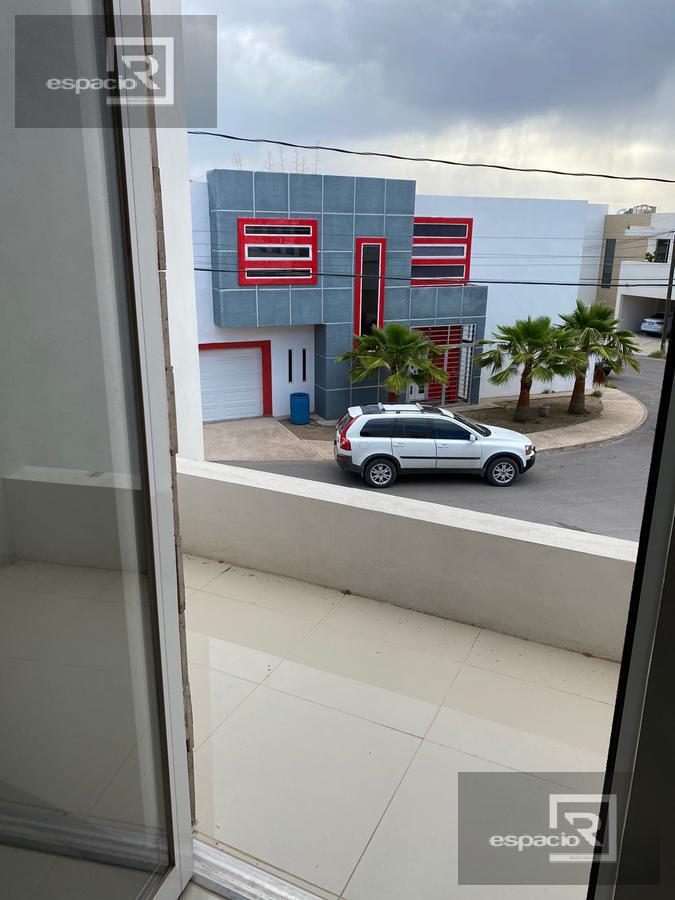 Foto Casa en Renta en  Fraccionamiento Lomas Universidad,  Chihuahua  CASA EN RENTA NUEVA EN LOMAS UNIVERSIDAD CON AMPLIOS ESPACIOS
