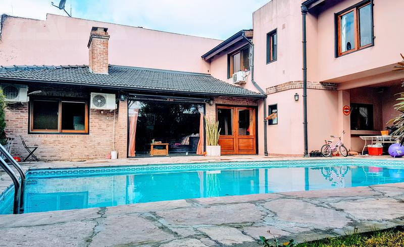 Foto Casa en Venta en  Ituzaingó ,  G.B.A. Zona Oeste  Posadas al 1100