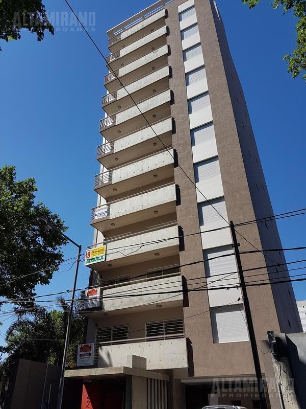 Foto Departamento en Alquiler en  General San Martin ,  G.B.A. Zona Norte  Caseros al 2200