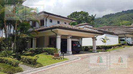 Foto Casa en Venta en  San Rafael,  Escazu  Jaboncillos Escazú, cerca del cementerio, y camino a la Paco