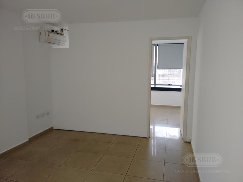 Foto Oficina en Alquiler en  Cordoba Capital ,  Cordoba  Ayacucho 300