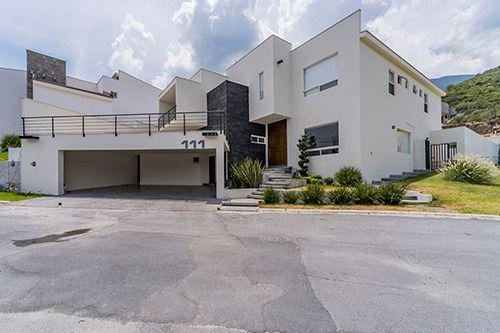 Foto Casa en Renta en  Sierra Alta 3er Sector,  Monterrey  Casa en renta Carretera Nacional Monterrey, Sierra Alta, R. Montañas