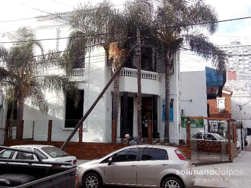 Foto Local en Alquiler en  Vicente López ,  G.B.A. Zona Norte  DEL LIBERTADOR, Av. al 2699