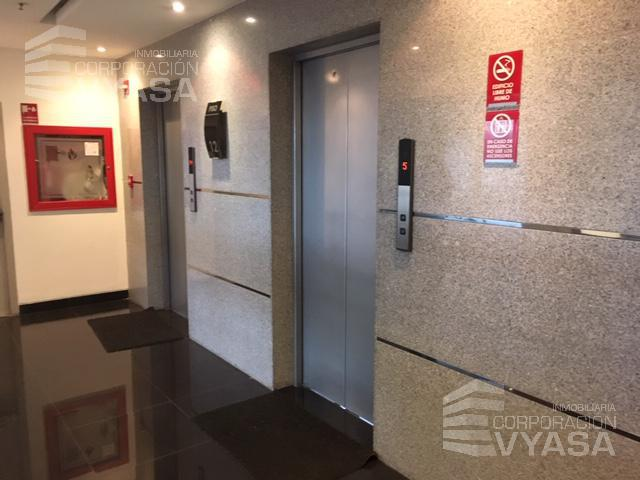 Foto Oficina en Alquiler en  La Carolina,  Quito  Carolina - República de El Salvador, Excelente oficina en arriendo de 175,00 m2