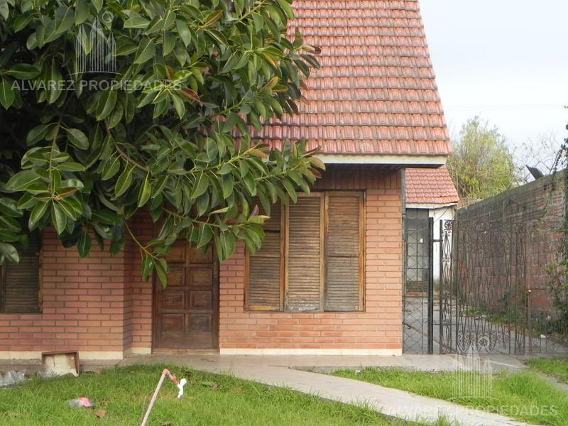 Foto Casa en Venta en  Mar Del Plata ,  Costa Atlantica  Benito Lynch al 5300
