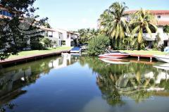 Foto Casa en Venta   Renta en  Isla Dorada,  Cancún  Casa en Venta en Cancun/Zona Hotelera/Isla Dorada/Isla Brujas