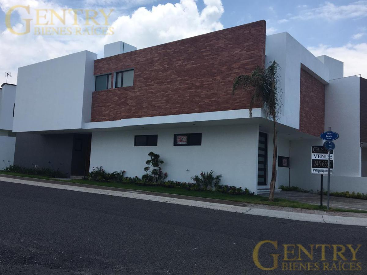 Foto Casa en Venta en  Residencial el Refugio,  Querétaro  Exclusiva Residencia en Venta